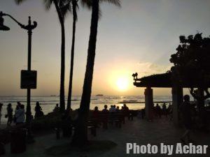 ワイキキビーチからの夕日