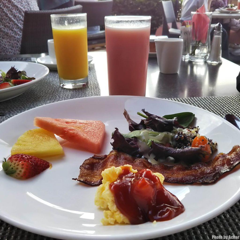サーフラナイの朝食